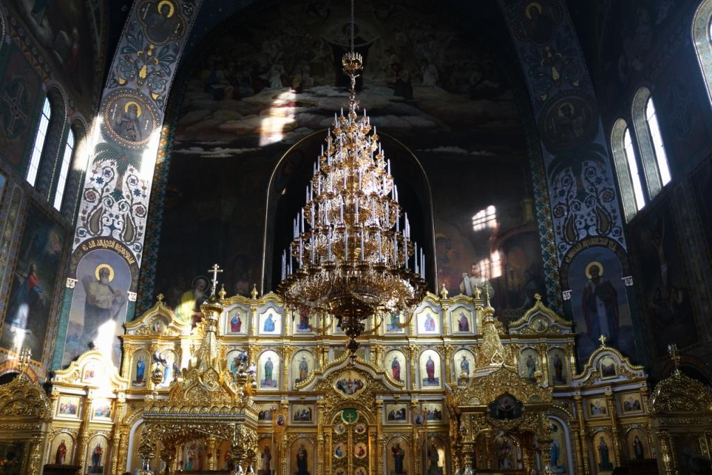 Das Innere der Nikolaus-Kathedrale
