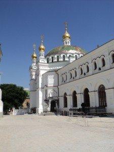 Трапезная палата и церковь во имя святых Антония и Феодосия