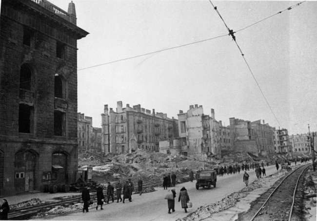 Chreschtschatyk im zweiten Weltkrieg. © starkiev.com
