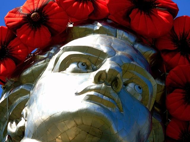 Mutter-Heimat-Statue, Kopf